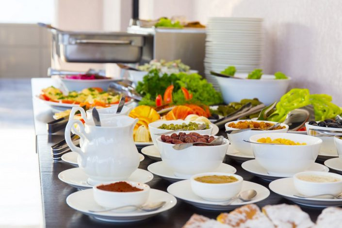Завтрак в ресторане Grand Hotel Gagra