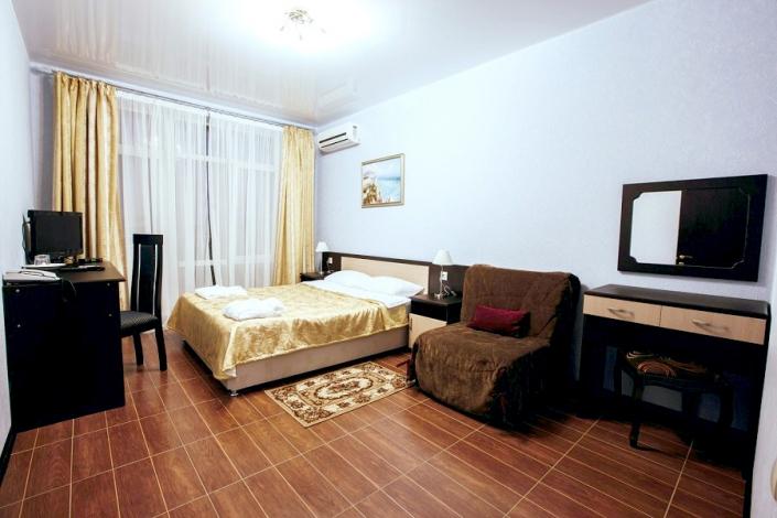 Люкс двухместный двухкомнатный отеля Гранд Прибой