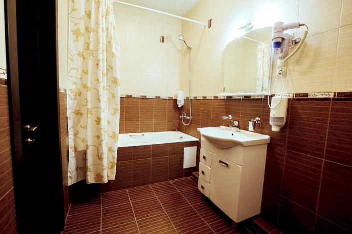 Туалетная комната номера Люкс отеля Гранд Прибой