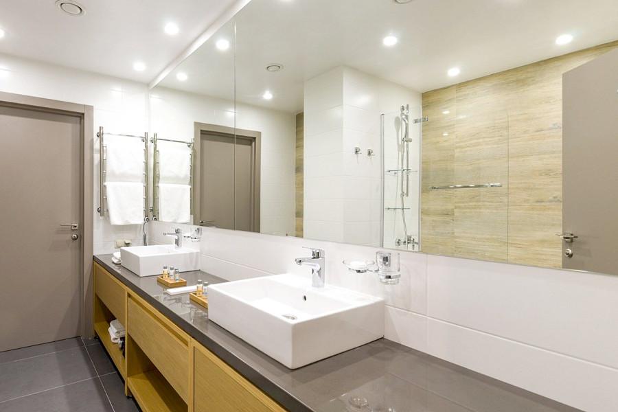 Туалетная комната номера Suite в Green Flow Hotel