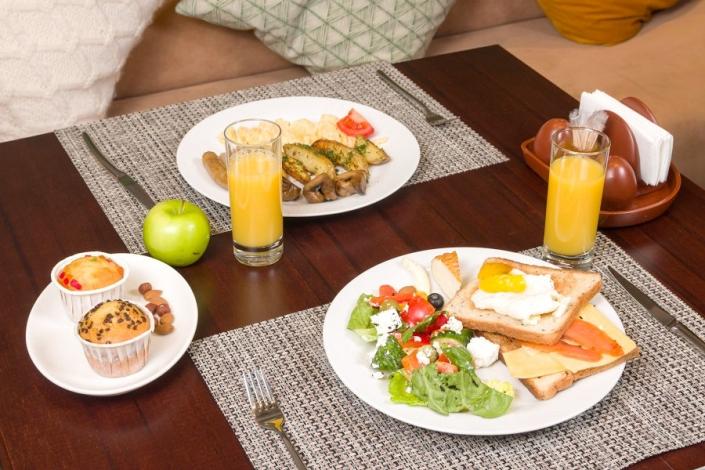 Завтрак в ресторане Green Flow Hotel