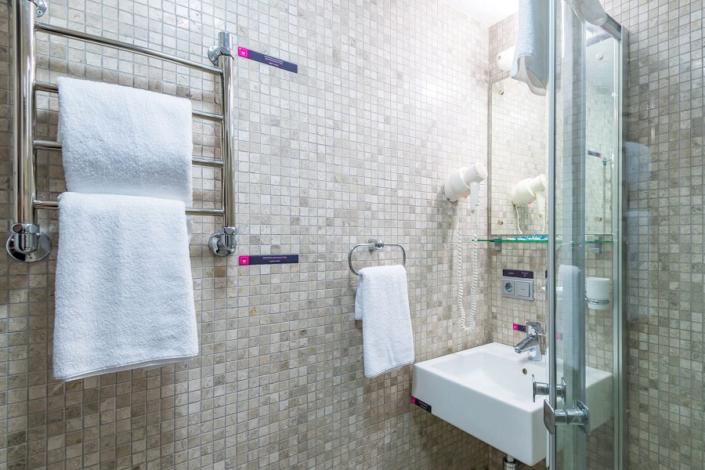 Туалетная комната Улучшенного номера отеля Грин Парк