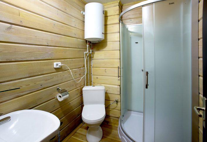Туалетная комната Стандартного номера гостиницы Грифон