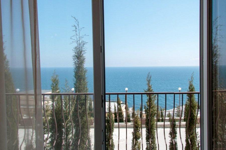 Вид на море с балкона Стандартного номера пансионата Гринцовский