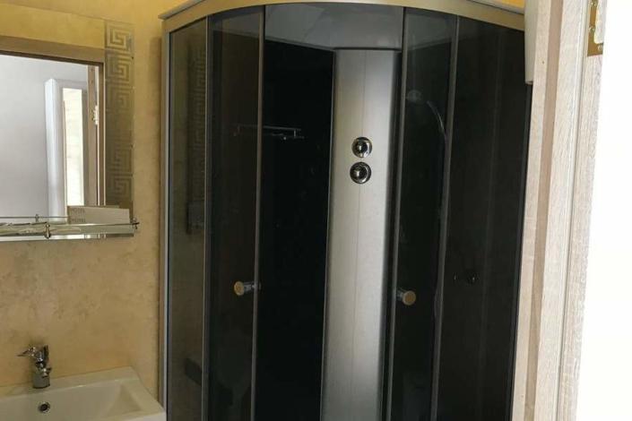 Туалетная комната номера Люкс в отеле Gurzuf Sunrise