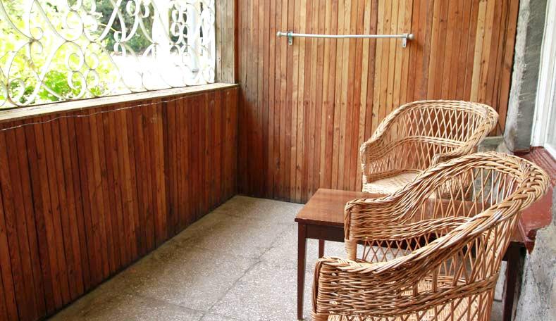 Балкон номера Эконом в корпусе Ривьера санатория Гурзуфский