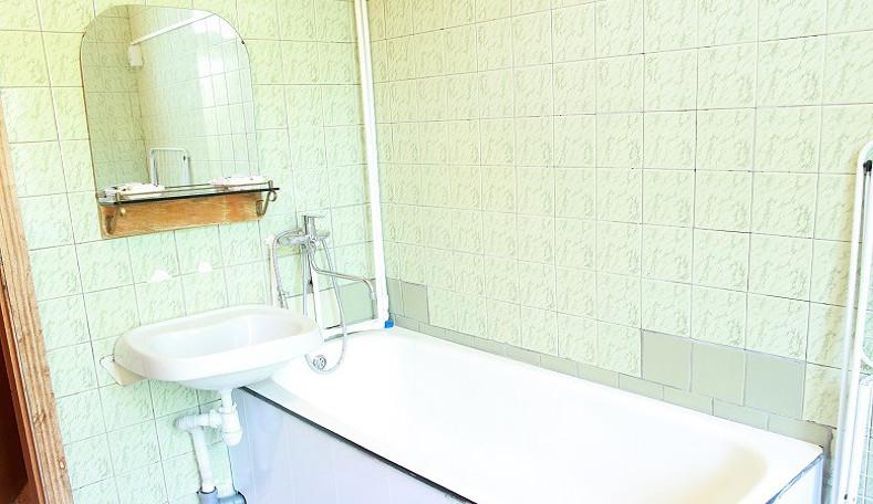 Туалетная комната номера Эконом двухкомнатный в корпусе Альянс санатория Гурзуфский