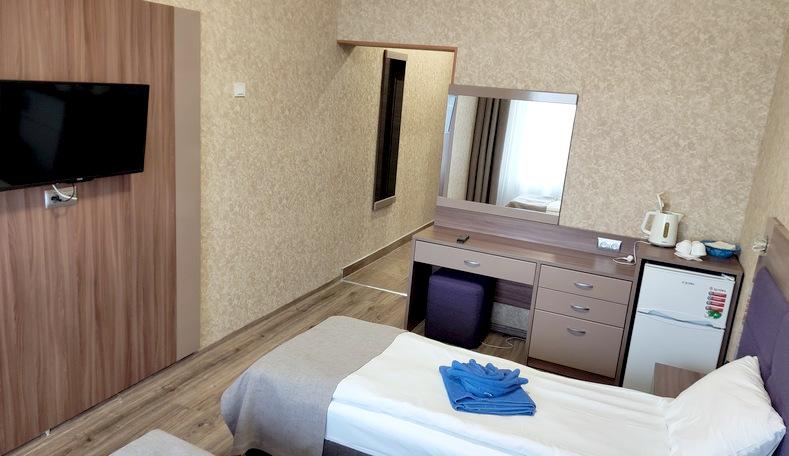 Улучшенный двухместный номер корпус Бриз санатория Гурзуфский