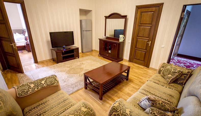 Люкс двухместный двухкомнатный корпус Гагаринский санатория Гурзуфский