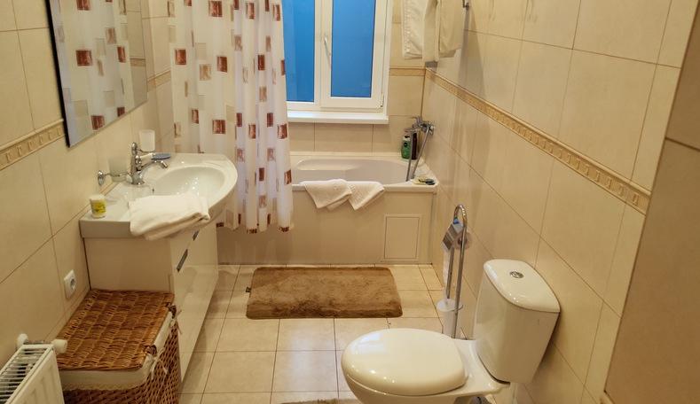 Туалетная комната в корпусе Климатопавельон санатория Гурзуфский