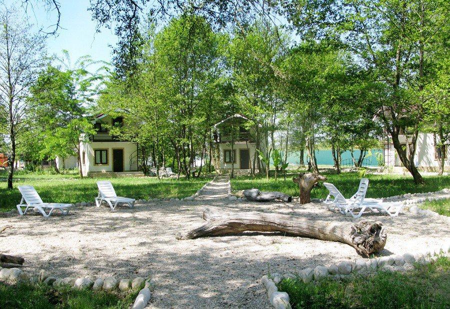Территория гостиницы Хипста Ривер Экопарк