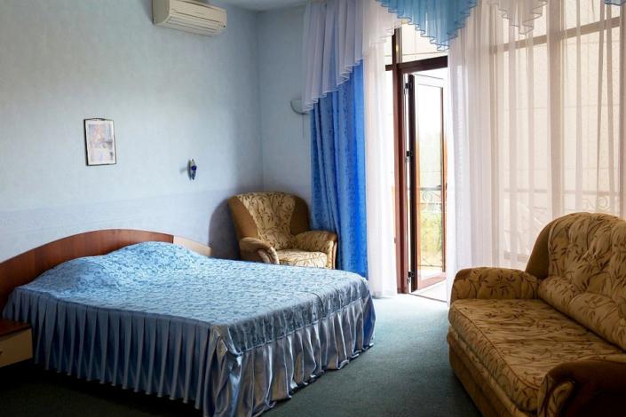 Апартаменты с кухней двухместные апарт-отеля Holiday