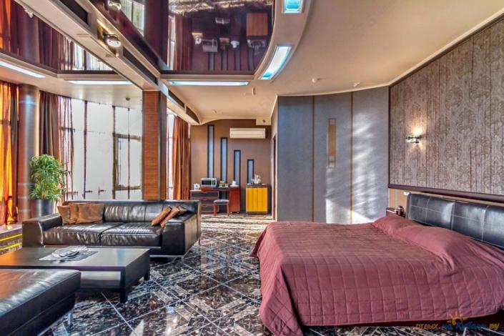 Апартаменты VIP двухместные апарт-отеля Holiday