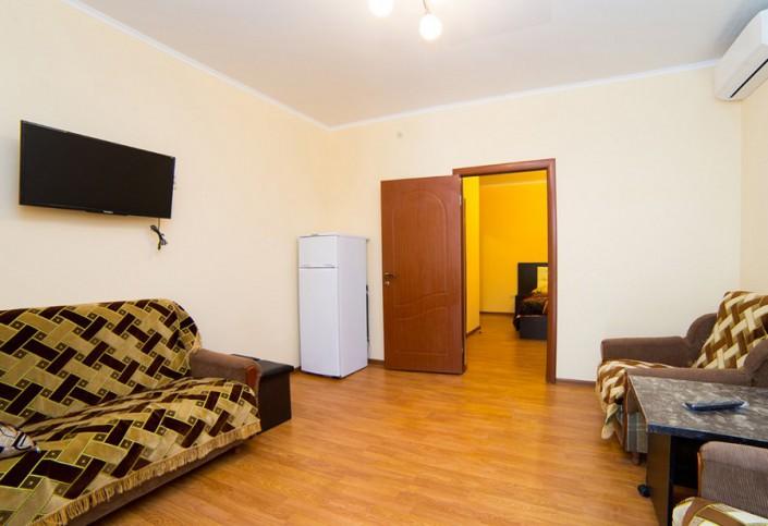 Гостиная Стандартного трехместного двухкомнатного номера отеля Илиос, Гагра, Абхазия