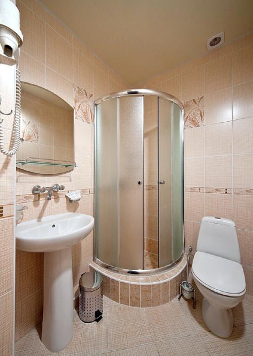 Туалетная комната Стандартного номера в отеле Имера