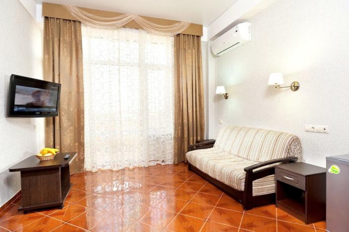 Люкс четырехместный двухкомнатный в отеле Имера