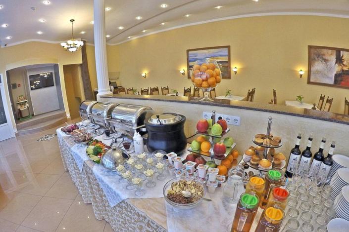 Ресторан пансионата Империал 2011