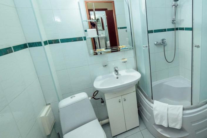 Туалетная комната номера Полулюкс в СОК Империя