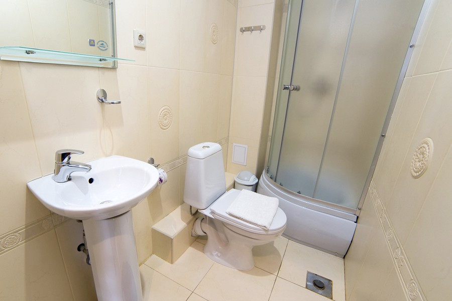 Туалетная комната Стандартного номера отеля Индисан