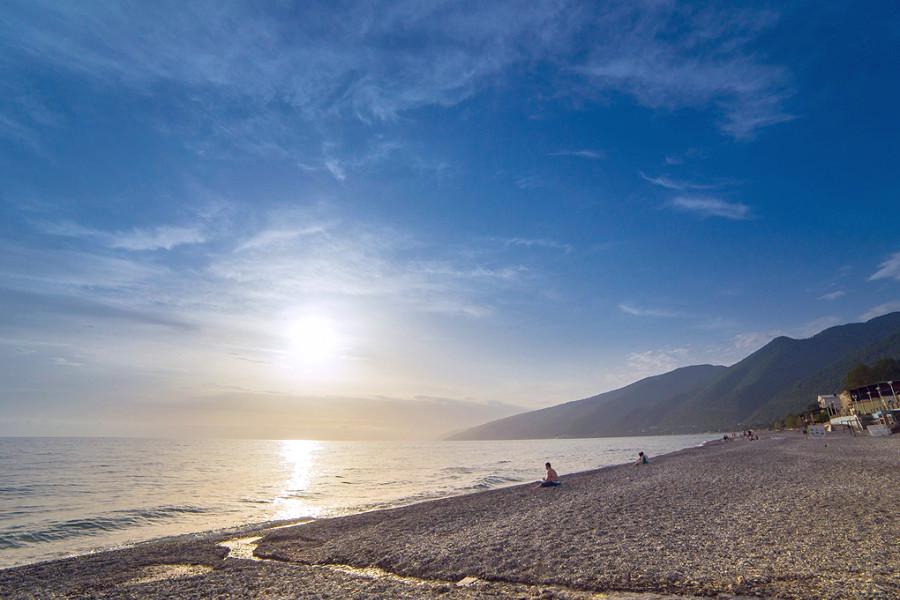 Пляж Гагры, Абхазия
