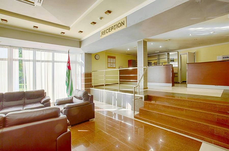 Холл гостиницы Интер-Сухум, Абхазия