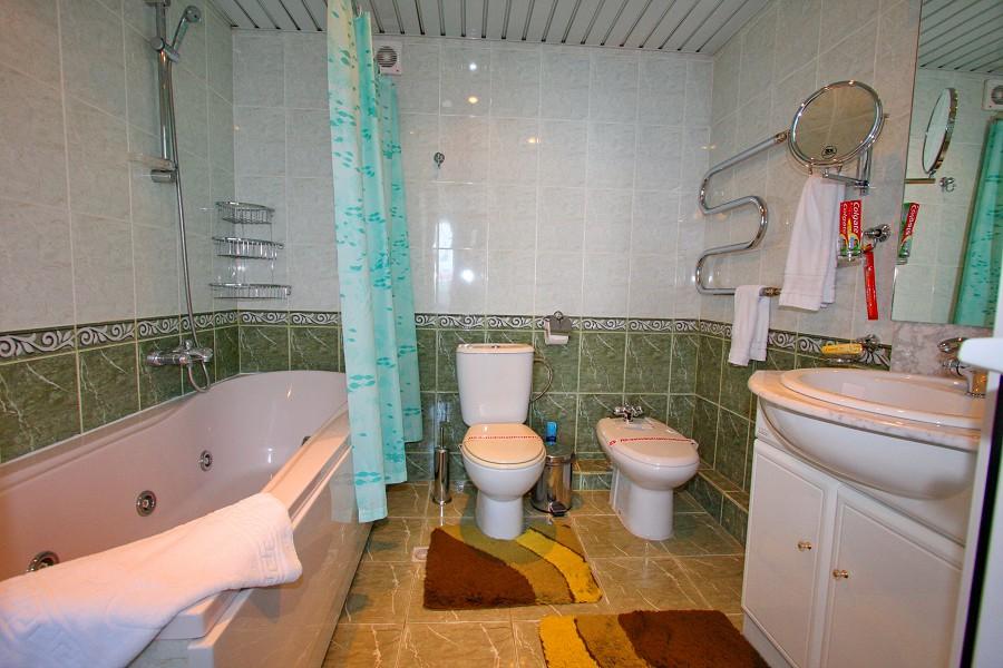 Туалетная комната в номере Люкс трехкомнатный санатория Ивушка