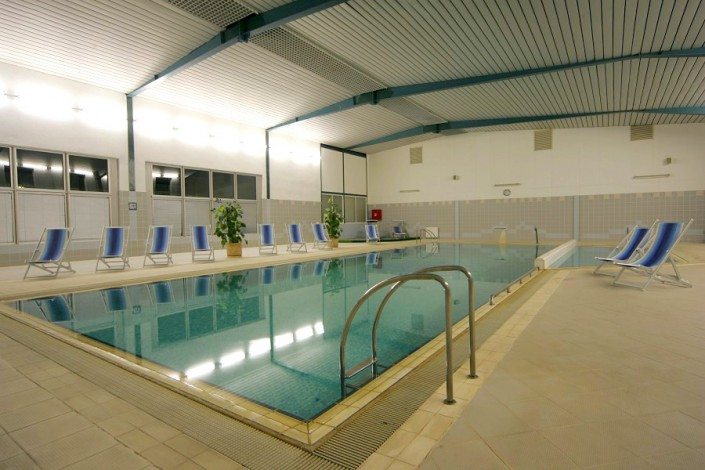 Крытый бассейн санатория Ивушка