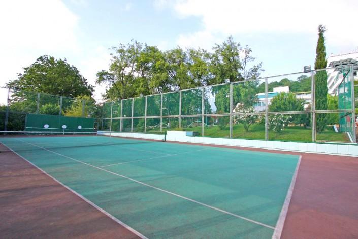 Теннисный корт санатория Ивушка