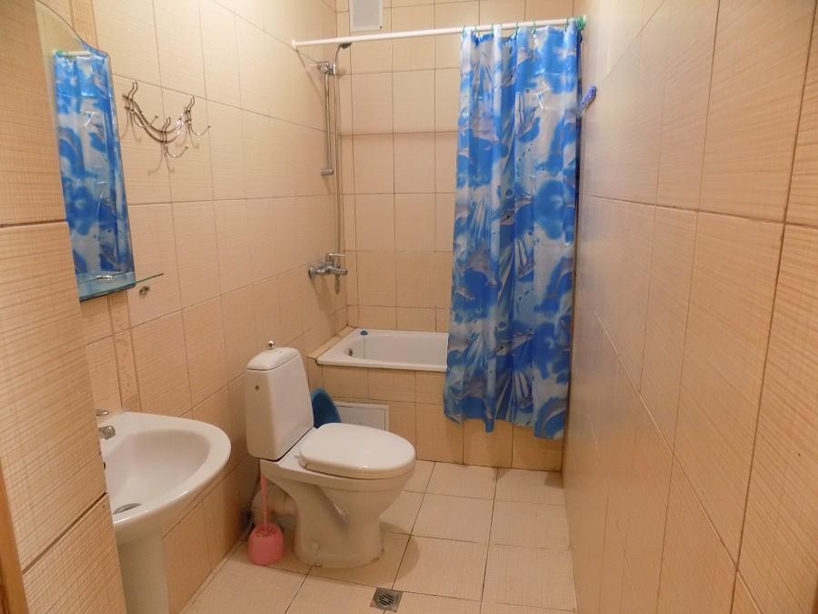 Туалетная комната в номере санатория Известия
