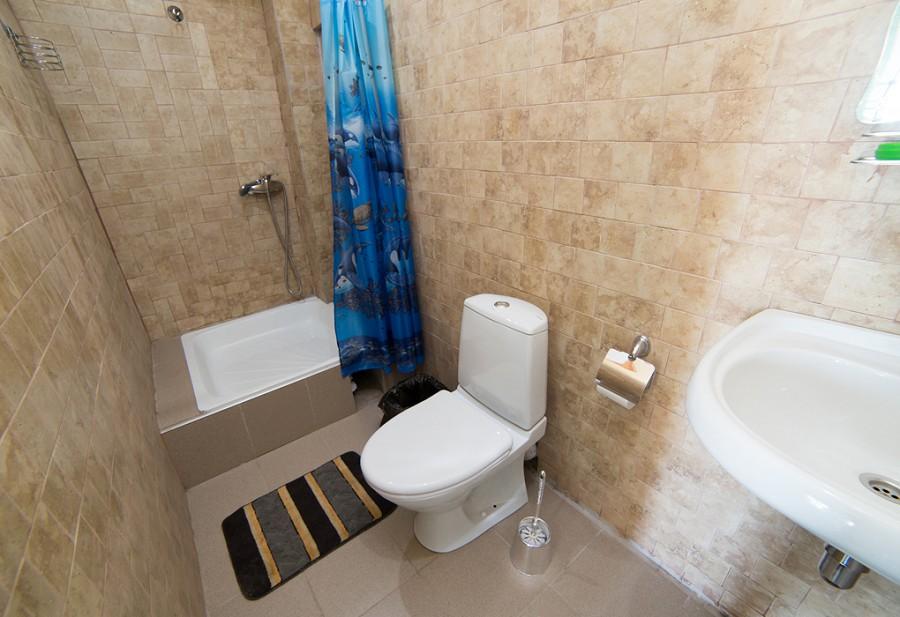 Туалетная комната Стандартного номера гостиницы Как дома