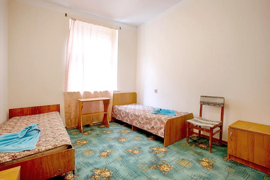 Двухместный номер без балкона в пансионате Кавказ, Гагра, Абхазия