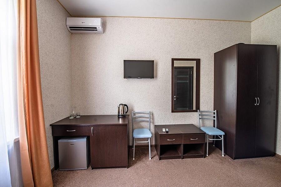Стандарт двухместный без балкона с обновленным интерьером в пансионате Кавказ, Гагра, Абхазия