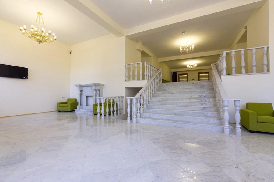 Холл отеля Киараз Арена