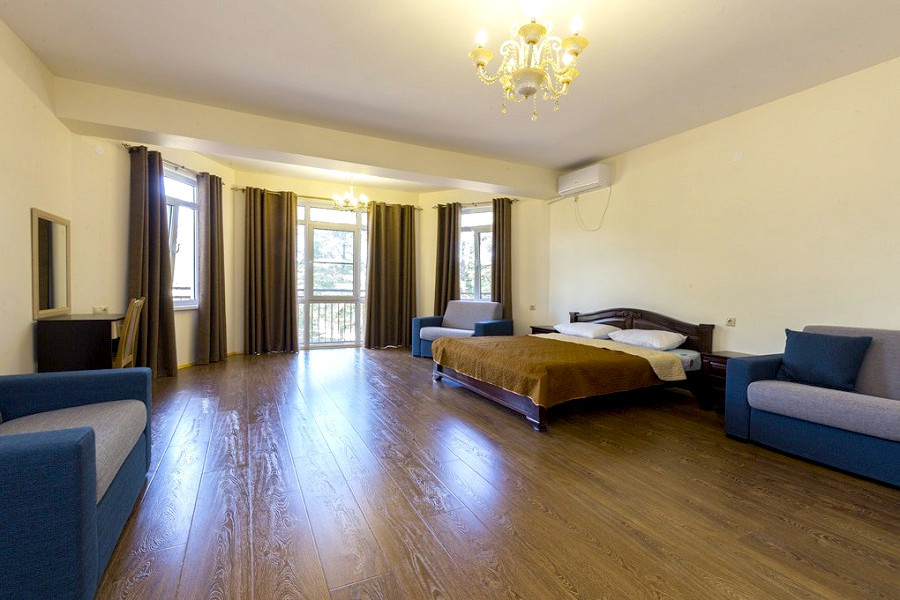 Семейный Люкс трехместный отеля Киараз Арена