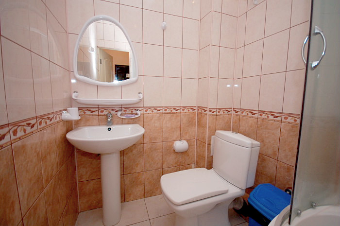 Туалетная комната Стандартного номера в Корпусе 2 санатория Киев