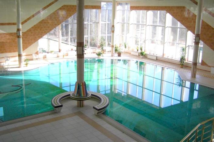 Бассейн санатория Киев
