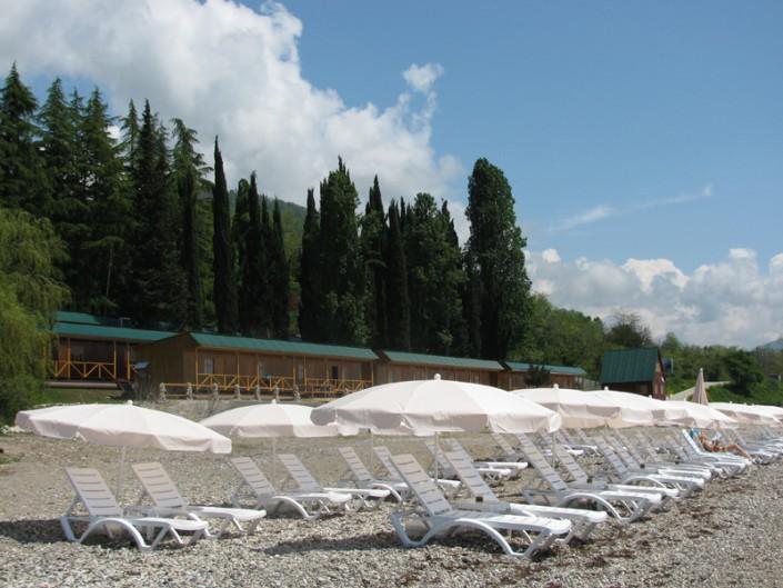 Пляж курортного комплекса Камарит
