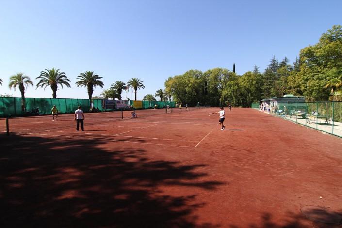 Теннисные корты курортного комплекса Континент Гагра