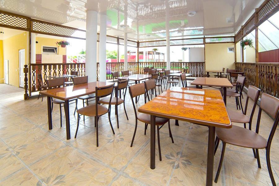 Кафе гостиницы Кристалл