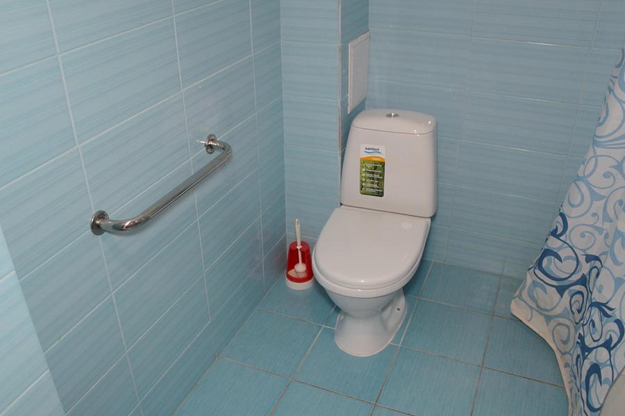 Туалетная комната в номере санатория им. Крупской в Евпатории