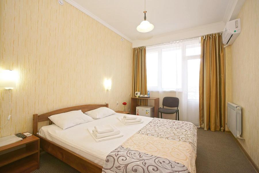 Стандарт двухместный с балконом гостиницы Крымская Ницца