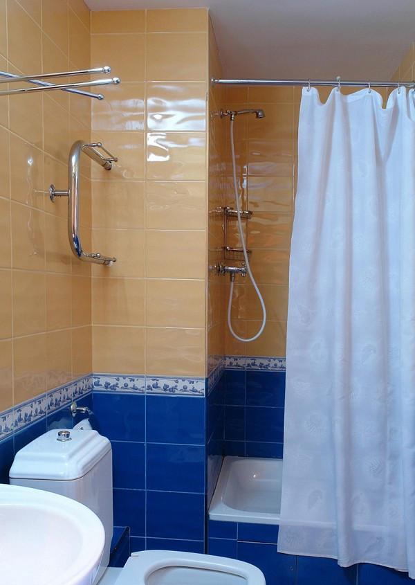 Туалетная комната номера Люкс в санатории Крымские зори