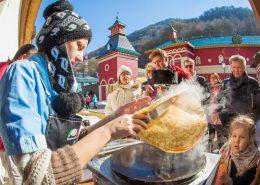 Празднование Масленицы в культурно-этнографическом центре Моя Россия, Сочи Красная Поляна