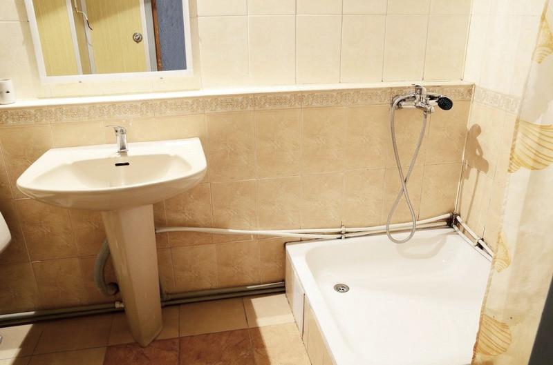 Туалетная комната номера Стандарт в корпусе Дружба санатория Курпаты