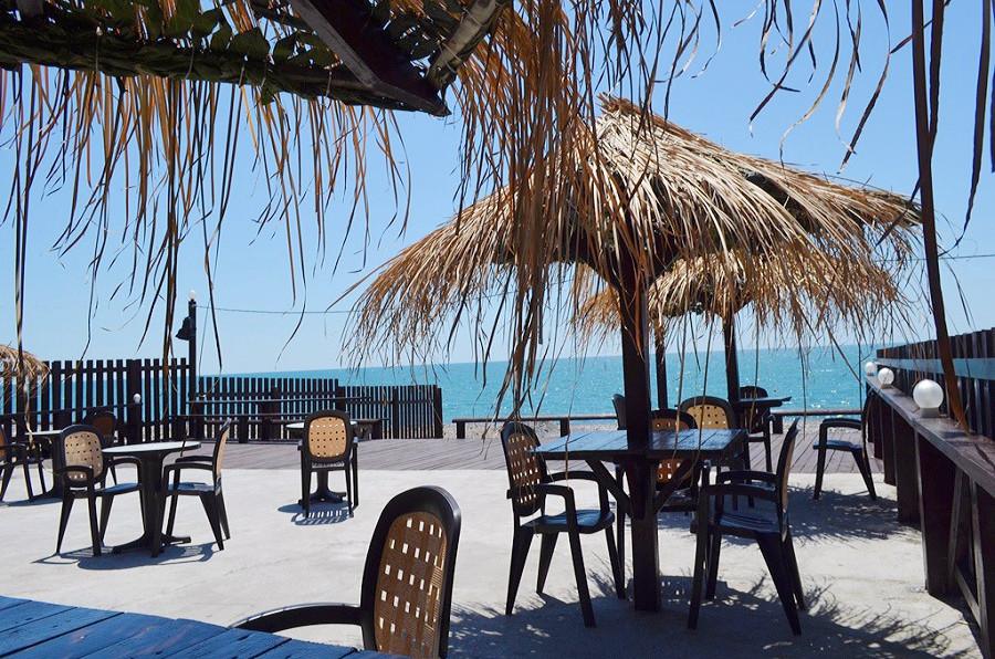 Кафе на пляже пансионата Кяласур