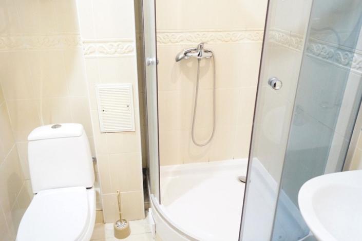 Туалетная комната номера Стандарт в Корпусе Диана пансионата Ласковый берег