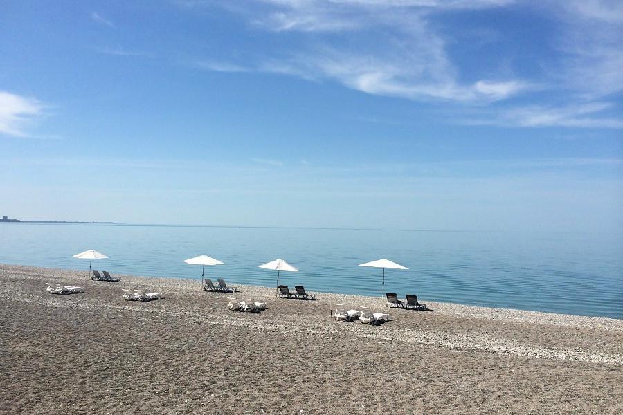 Пляж пансионата Лазурный берег, Гагра, Абхазия