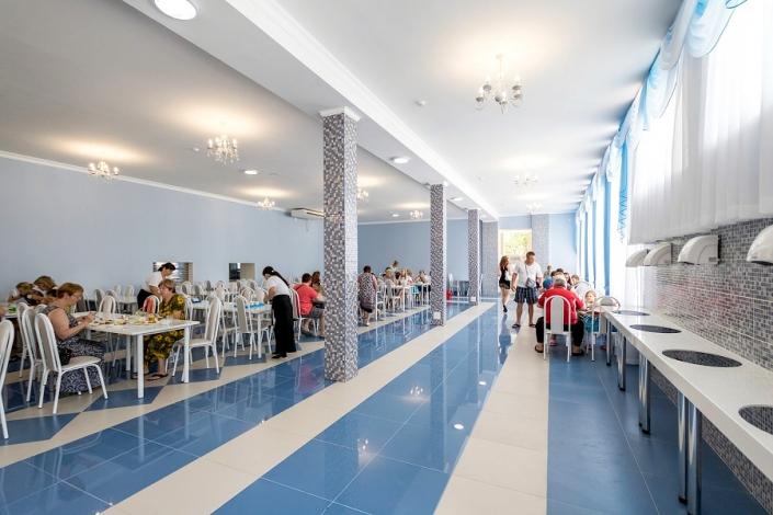 Столовая парк-отеля Лазурный берег