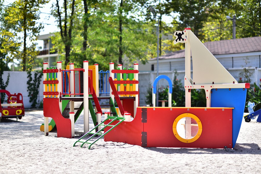 Детская площадка парк-отеля Лазурный берег