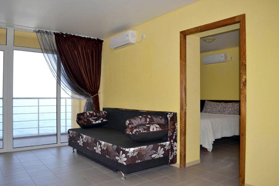 Полулюкс двухместный двухкомнатный гостиницы Легенда